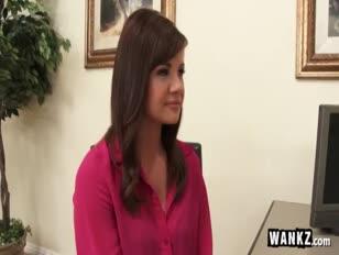Whorey büro sekretärin schlägt ihren manager für die beförderung