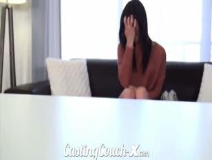 Casting couch-x schüchterne küken will vor der kamera knallte werden